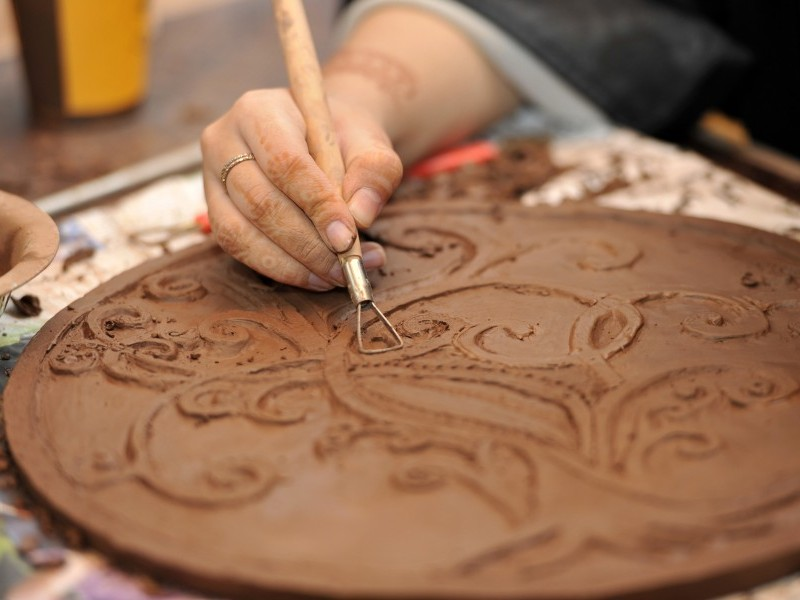 Sculpting Clay Tiles Using Islamic Patterns
