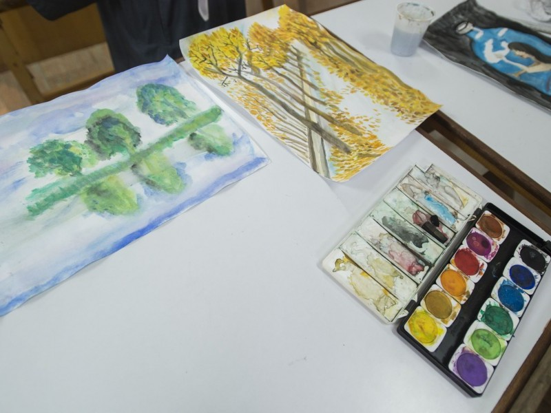 Using a Single Colour Gradient in Paintings